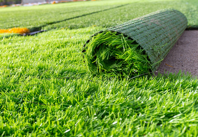The Different in Cost between a Real Lawn Compared to Artificial Grass